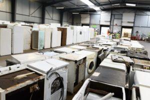 Tri et regroupement des déchets d'équipements électriques et électroniques (DEEE)